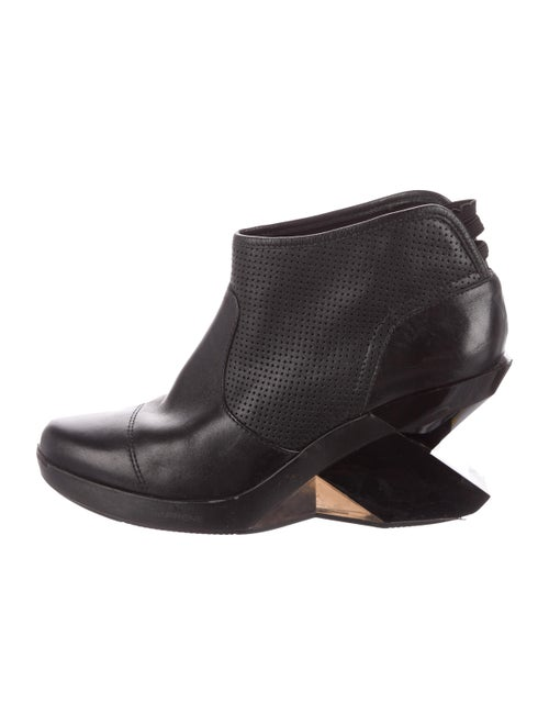 Yohji Yamamoto Perforated Leather Boots Black