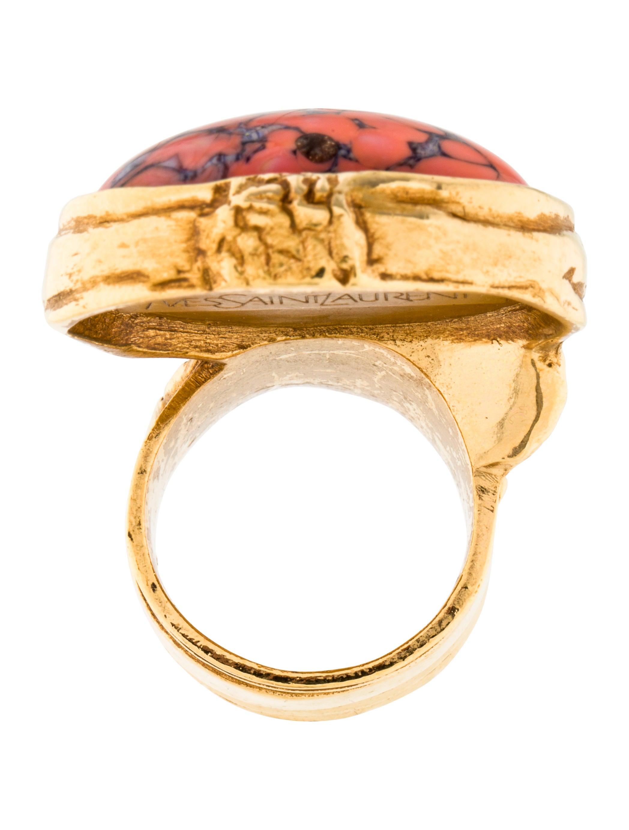yves saint laurent arty ovale ring rings yve58795. Black Bedroom Furniture Sets. Home Design Ideas